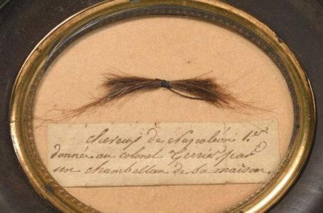 Une mèche de Napoléon Bonaparte vendue aux enchères !