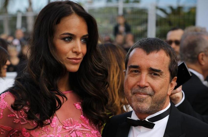 Arnaud Lagardère dément sa séparation avec Jade… elle efface le démenti et poste encore