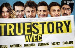 Dans cette émission appelée True Story (6x24 minutes), José Garcia et Antoine de Caunes racontent notamment comment ils ont mutuellement bloqué leurs numéros de téléphone personnels en les révélant en public